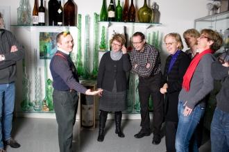 Flaschensepp zeigt eine der über 25'000 Flaschen. (3/3)